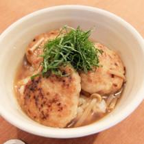 もっちり山芋鶏ハンバーグ丼