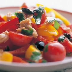 ピーマンとトマトとツナのサラダ