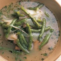 いんげんと豚肉のスープ