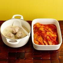ミートボールのサワークリーム煮(写真左)