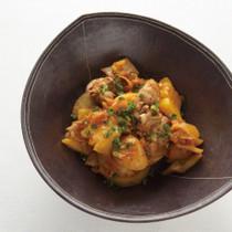 鶏肉とじゃがいものパイナップルキムチ煮込み