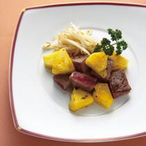 サイコロパイナップルステーキ