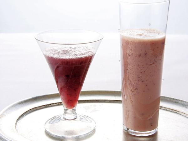 ぶどうジュース(写真左)