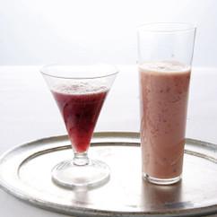 ぶどうとにんじんのヨーグルトジュース(写真右)