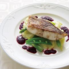 白身魚のぶどうソース