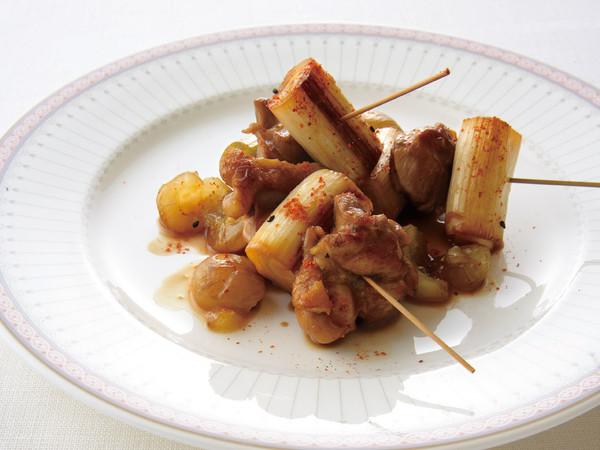 鶏肉と長ねぎのぶどう風味串焼き