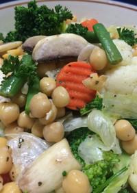 俺流!ひよこ豆と洋風野菜のサラダ