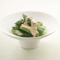 緑野菜のごまクリームがけ