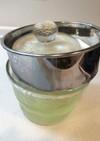 浅漬け鉢と粉ふるいで水切りヨーグルト