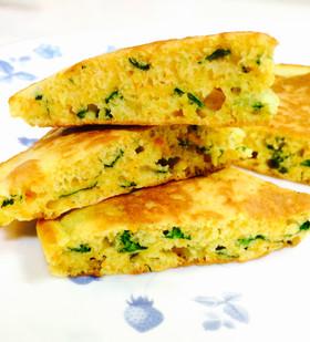 幼児食☆緑黄色野菜と胡麻のホットケーキ