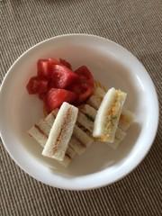 離乳食後期  コーンクリームサンドイッチの写真