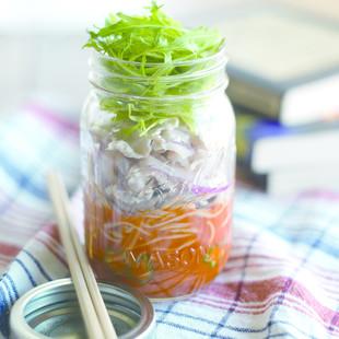 冷しゃぶの野菜ジュースそば