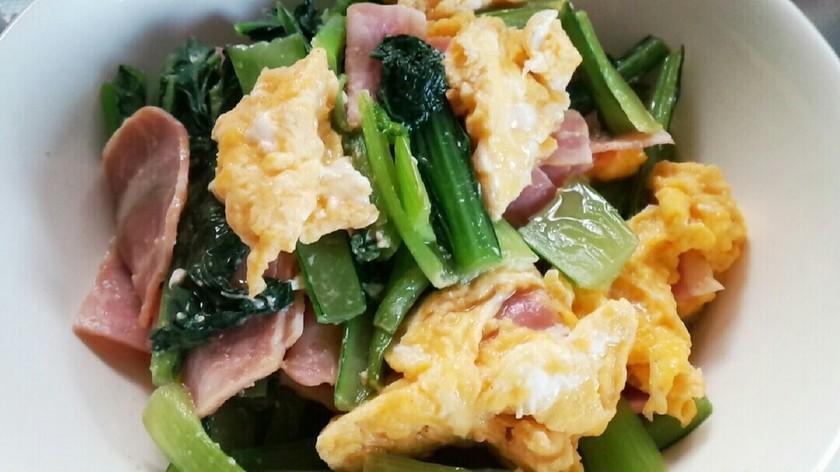 ❀簡単❀小松菜、ベーコン、卵の炒め物