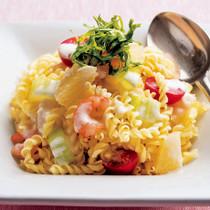 えびとマカロニのヨーグルトサラダ