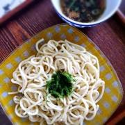 夏の定番♪ゴマ油香る極太中華つけ麺の写真