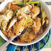 鶏とアスパラの塩キャベツ蒸し