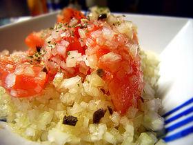 トマトと玉ねぎの宝石サラダ