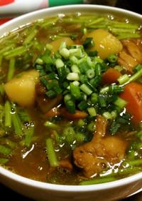 カレーとパクチーの茎の蕎麦