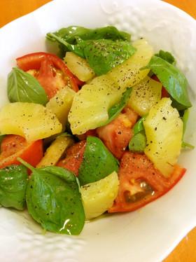トマト、パイナップル、バジルのサラダ