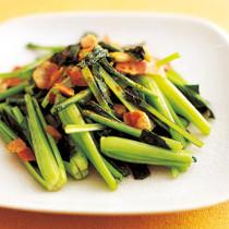 小松菜とベーコンのカレー炒め