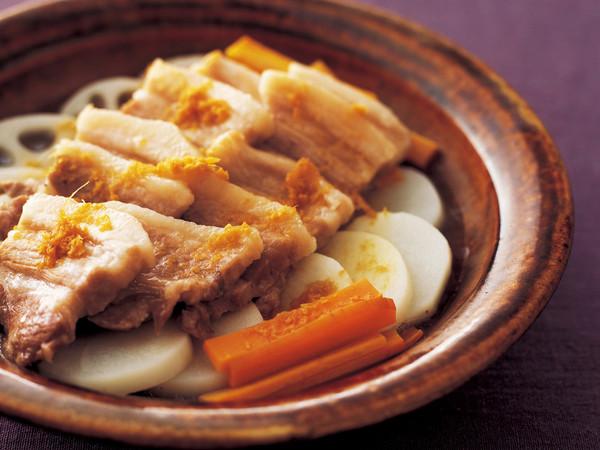 豚バラと根菜の和風皿蒸し