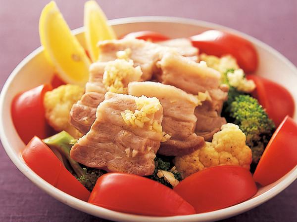 豚バラと野菜の洋風皿蒸し