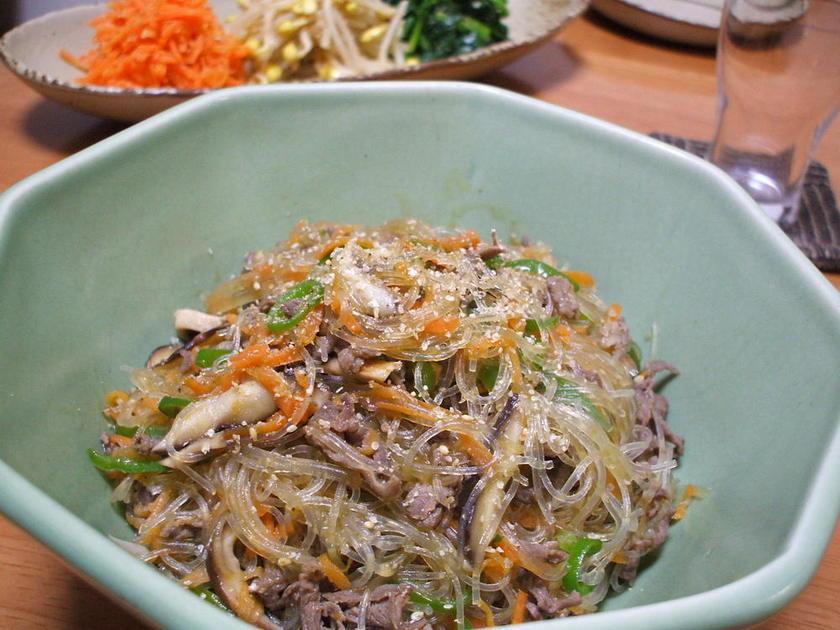 チャプチェ(牛肉と春雨の韓国風炒め)