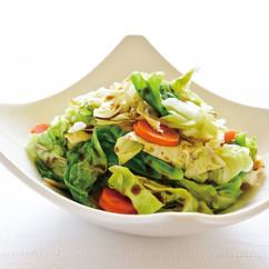 キャベツと玉ねぎ、にんじんの簡単お湯かけサラダ