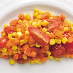 とうもろこしとにんじん、プチトマトのサラダ