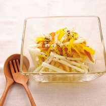 大根とたくあんと奈良漬けのサラダ