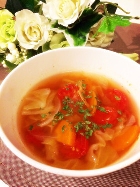 夏にぴったり☆トマトコンソメスープ