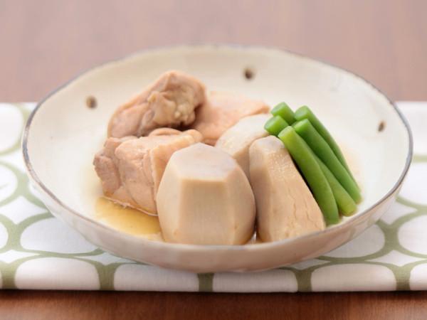 鶏肉と里いもの煮もの