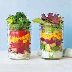 ブロッコリーと豆のサラダ(写真左)