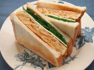 ポテトエッグチーズサンドイッチ