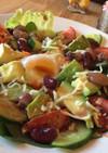 ピリ辛♪温玉とアボカドの健康サラダ♪