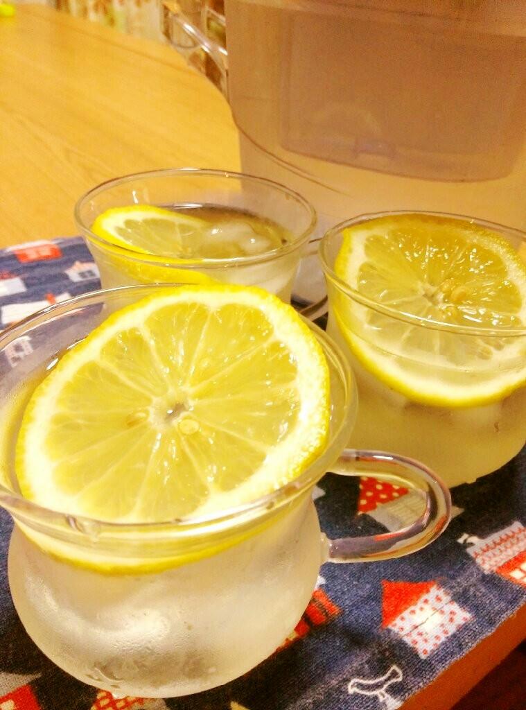 朝スッキリ!国産レモンでレモン水