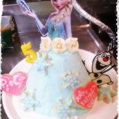 簡単!可愛い!エルサのドールケーキ。