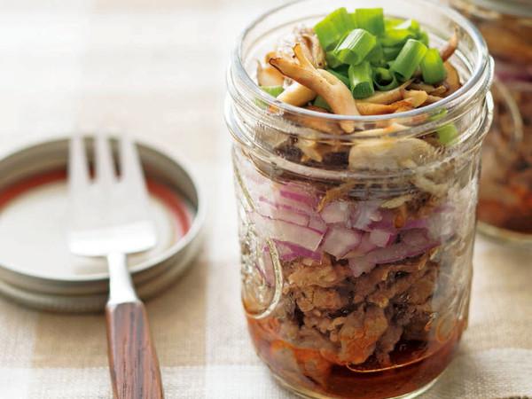 牛肉ときのこのピリ辛サラダ