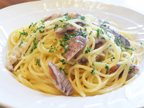 スパゲッティー二 シャコのペペロンチーノ レモン風味