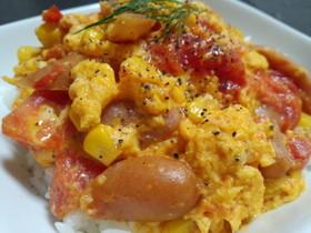 トマトとウインナーの卵とじ丼