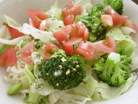野菜たっぷり!冷やしぶっかけ塩ラーメン