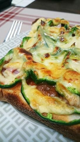 お弁当の余りで♡ミートピザトースト♡
