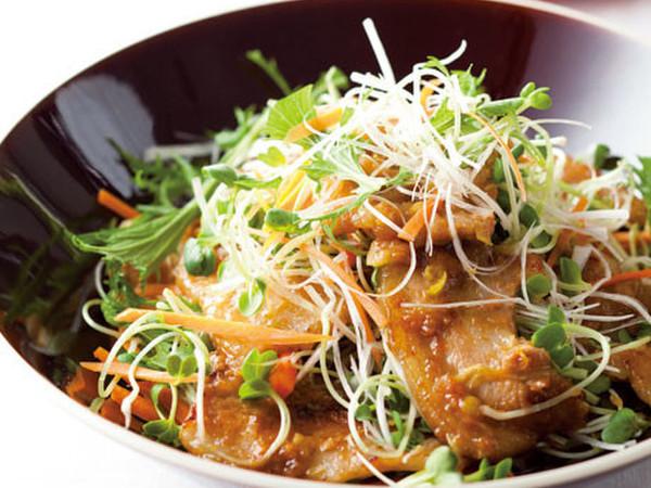 豚カルビとせん切り野菜のおかずサラダ