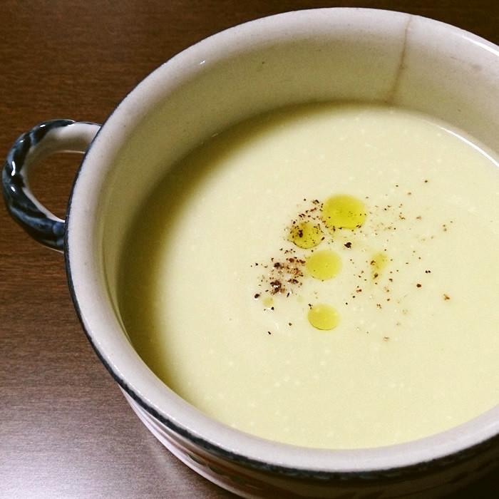 カリフラワーと豆乳のポタージュスープ