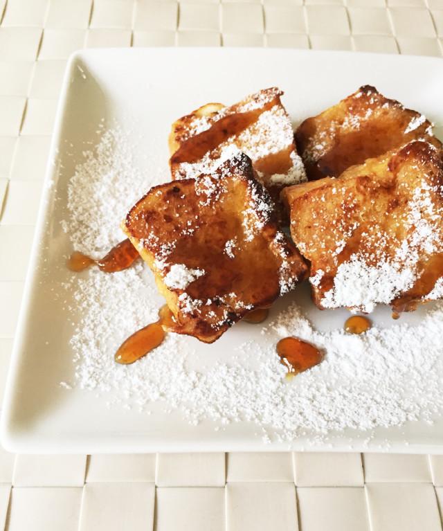 きな粉と黒蜜のフレンチトースト。朝食に