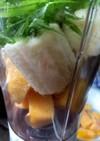 冷凍マンゴーのグリーンスムージー