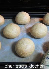 酵母ストレート 全粒粉と黒糖の丸パン