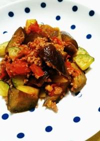 夏野菜と挽き肉の炒め