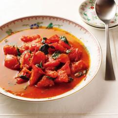 トマトとバジルの豆板醤炒め