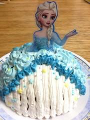 簡単 キャラ ドームケーキ☆エルサの写真